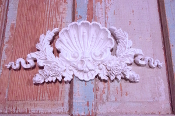 Architectural & Floral Shell Crest